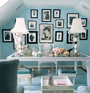 teal-room-with-black-and-white ...