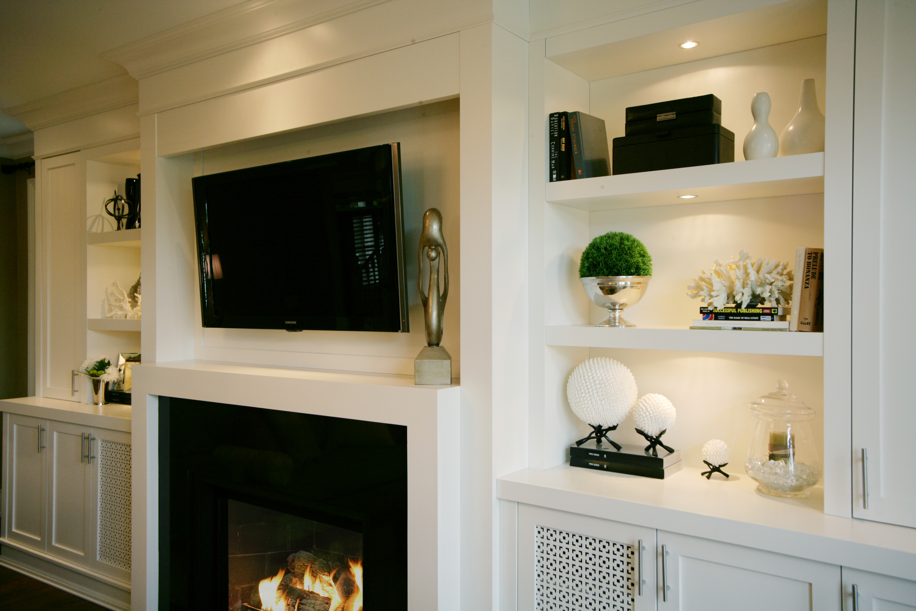 The art of accessorizing jennifer brouwer interior design for Dining room near front door