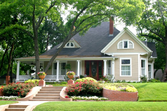 Curb appeal planning to sell your home tips to consider for Pictures of cozy homes
